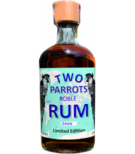 TWO PARROTS ROBLE RUM